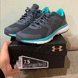 UnderAmor Running Shoes